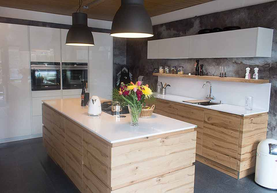 Neue studio kuche bei kuchen schreiner meier for Schreinerküche