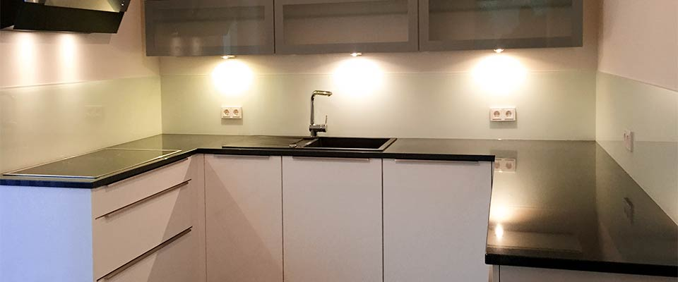 Küchen-Schreiner-Meier Glasrückwand