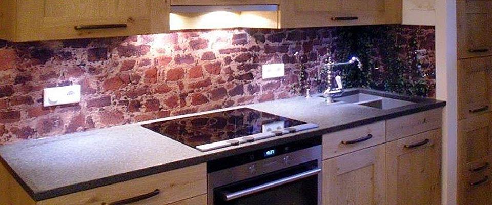 Glasrückwand bei Küchen-Schreiner-Meier